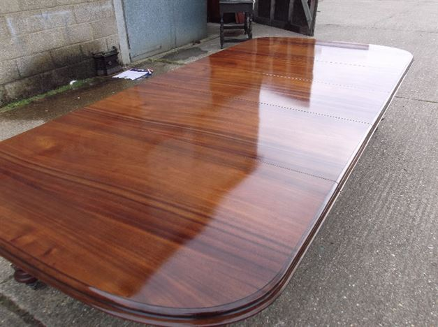 11ft Victorian Oval End Extending Table - Mid Victorian Demi Ended Mahogany Dining Table With Reeded Tulip Legs