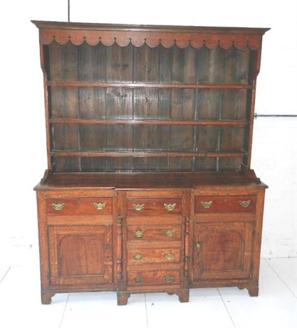 18th Century Welsh Dresser - George III Oak And Fruitwood Dresser With Rack And Cupboards
