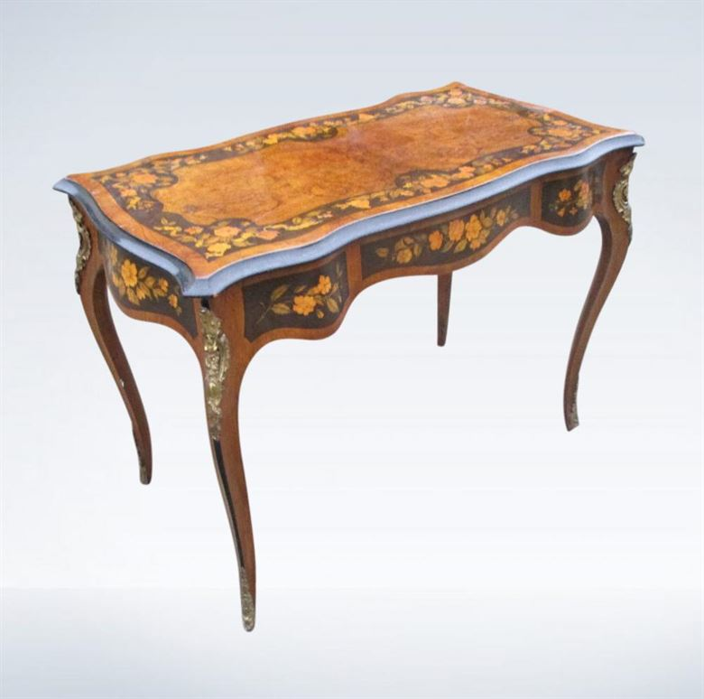 19th Century Louis XV Walnut Dressing Centre Table