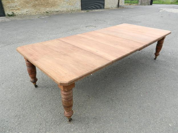 Antique walnut tables uk antique walnut dining tables for 10 seater table for sale