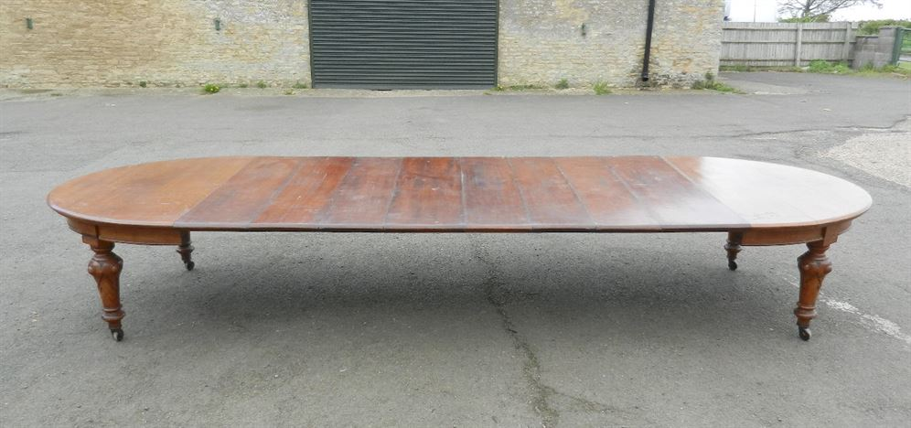 Antique furniture warehouse 5 metre antique victorian for Dining table to seat 20