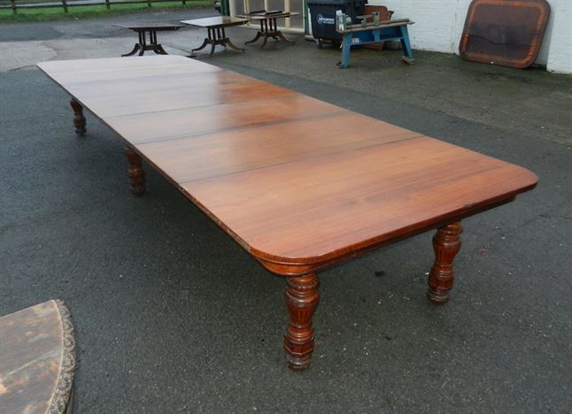 5 Metre Antique Walnut Table - 15ft Late Victorian Arts & Crafts Walnut Extending Dining Table To Seat 20 People