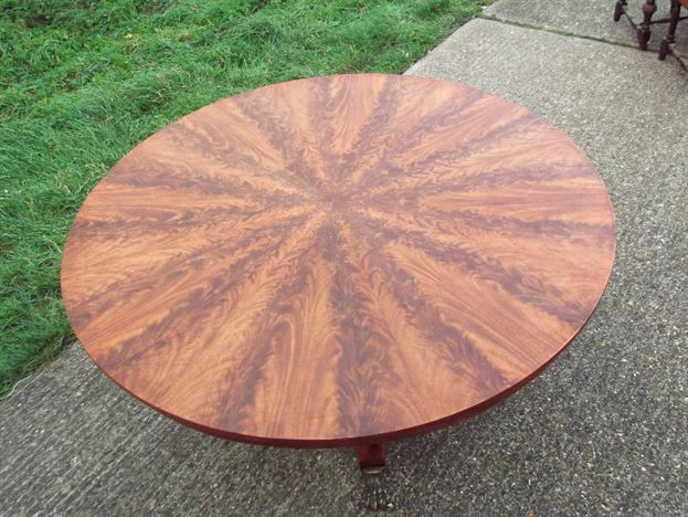 5ft Diameter Regency Table - Georgian Revival Flame Mahogany Dining Table To Seat 8 People