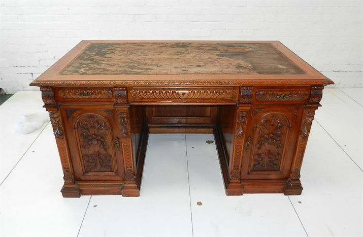 5ft Antique Walnut Estate Desk - Italian Late Victorian Carved Walnut  Estate Desk - Large Antique Desks
