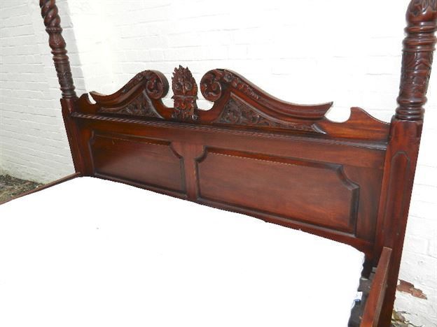6ft Wide Antique Four Poster Bed - Victorian Manner Super King Sized Four Poster Canopy Bed