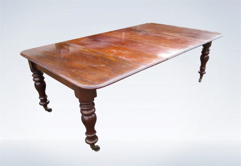 8ft Early Victorian Mahogany Extending Dining Table