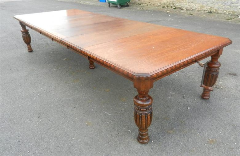 Arts & Crafts Period Late 19th Century 12ft Oak Antique Extending Dining Table