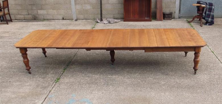 Immensely Proportioned Original 18ft Victorian Golden Oak Extending Dining Table