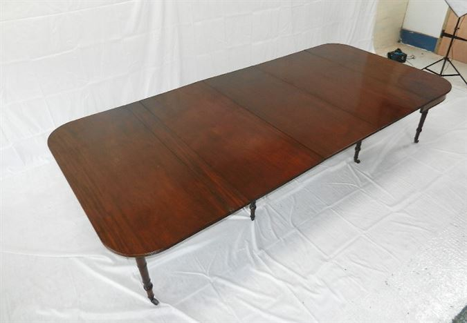 Large Original Georgian Table - George III Period Mahogany 10ft Concertina Action Extending Dining Table