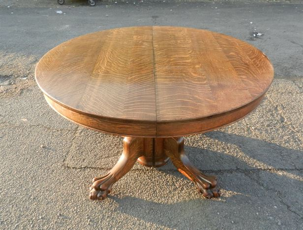 ANTIQUE ROUND DINING TABLES UK IN OUR ANTIQUE FURNITURE  : Large Round Victorian Centre Piece Table Extending To Form Dining Table To Seat 10 People 7 P1 from www.elisabethjamesantiques.co.uk size 791 x 600 jpeg 222kB