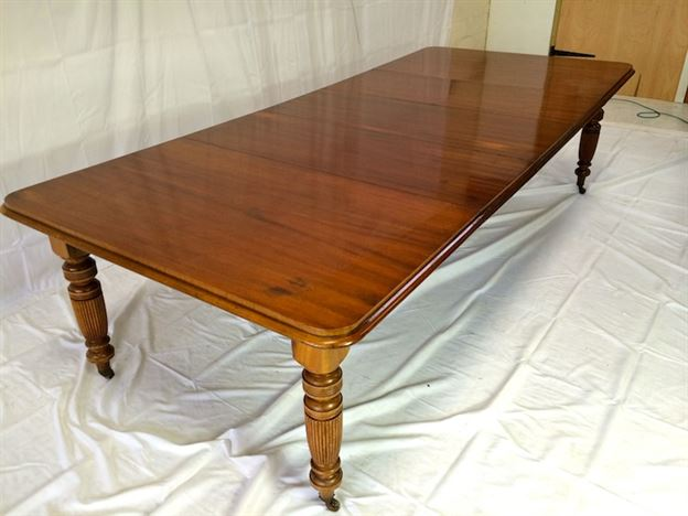 Large victorian extending table late victorian mahogany for 12 people dining table