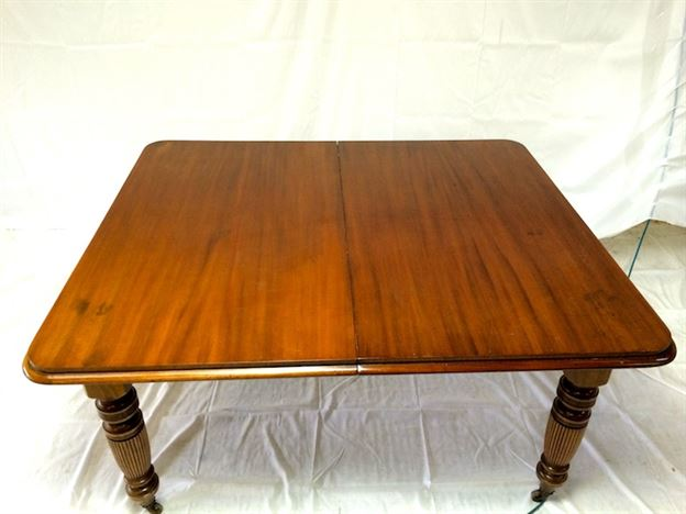 Large Victorian Extending Table - Late Victorian Mahogany Wind Out Dining Table To Seat 12 People