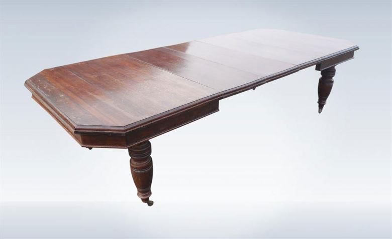 ANTIQUE OAK DINING TABLES IN OUR ANTIQUE FURNITURE WAREHOUSE