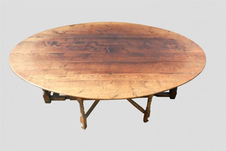 Large Antique Oval Table | Charles II 17th Century Design Oak Oval Formed Farmhouse Country Wake Hunt Table To Seat 12 People