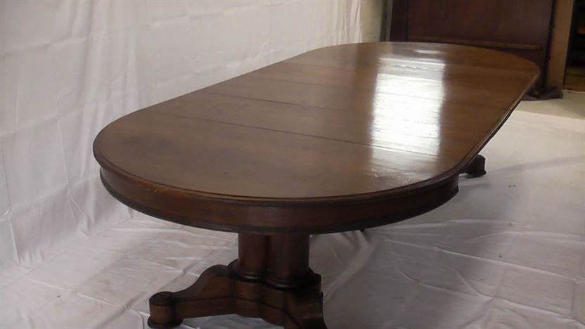 Large Antique Round Extending Table - Victorian Oak Round Formed Pedestal Table Extending To 3 Metres With Four Leaves