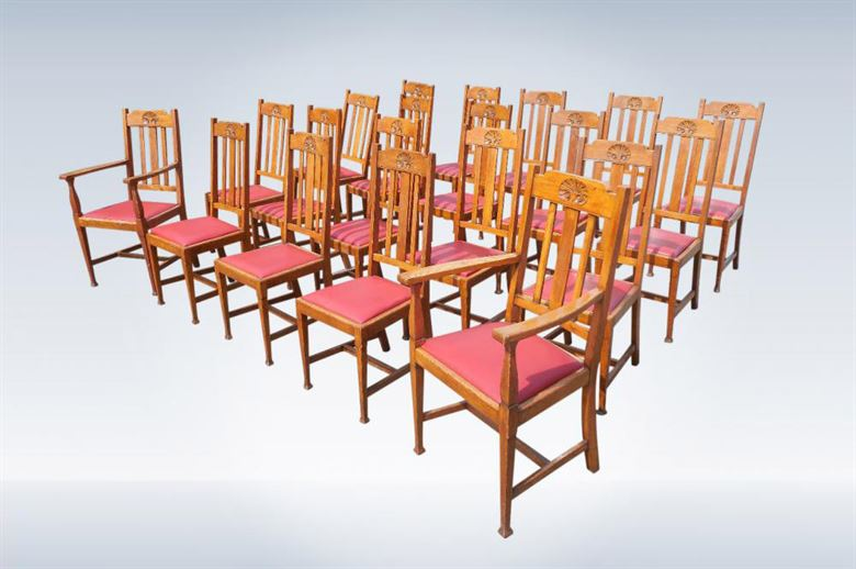 Long Set Of Twenty Two Antique Victorian Oak Dining Chairs Of Arts Crafts Taste