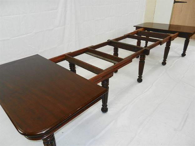 Original Large Georgian Dining Table - 4 Metre Regency Period Mahogany Extending Dining Table On Gillows Leg