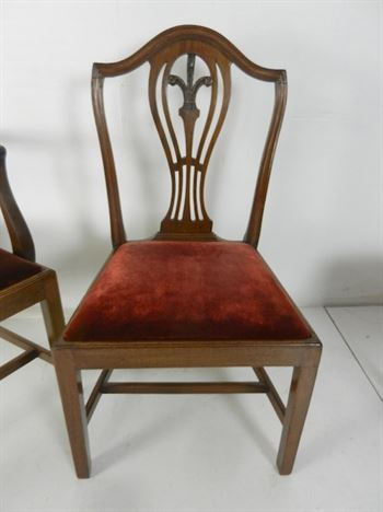 Original Set Of Eight Late 18th Century Hepplewhite Mahogany Dining Chairs With Carvers