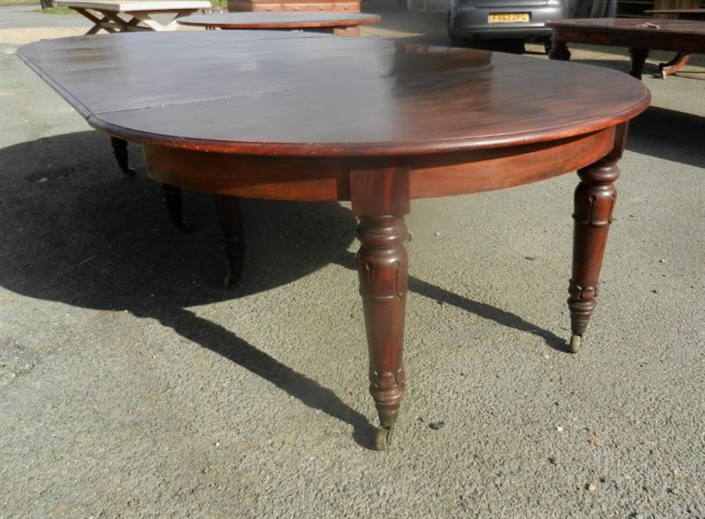 post regency mahogany antique round extending dining table. Black Bedroom Furniture Sets. Home Design Ideas