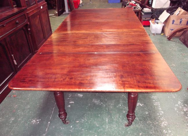 Original Antique Georgian Dining Table - Large Regency Period Mahogany Extending Dining Table To Seat 10 To 12 People