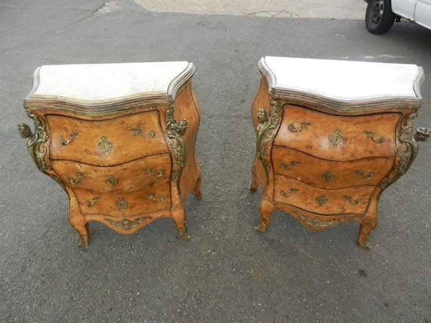 Pair Antique Walnut Commodes - Pair Of Vintage French Design Bombay Walnut And Ormolu Commodes