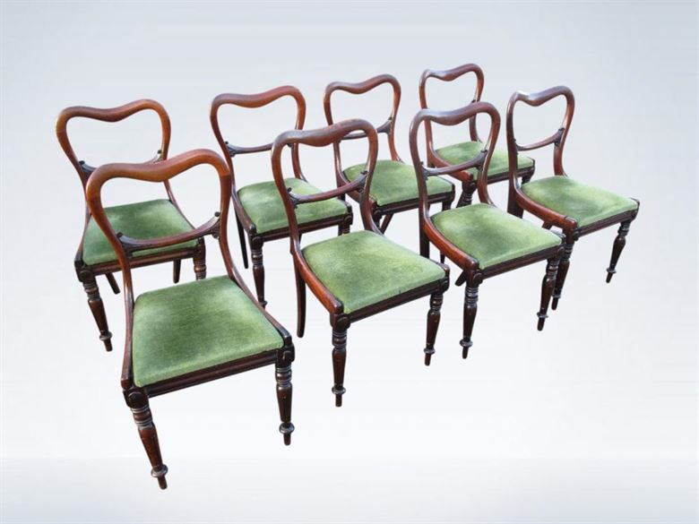Set Of Eight Saddle Back William IV Dining Chairs