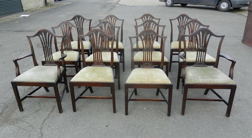 Set Of Twelve Georgian Hepplewhite Design Mahogany Antique Dining Chairs