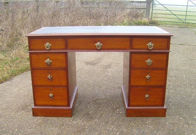 Antique 4ft Victorian Desk - Victorian Mahogany Pedestal Writing Desk With  Leather Top - ANTIQUE FURNITURE WAREHOUSE - Antique 4ft Victorian Desk