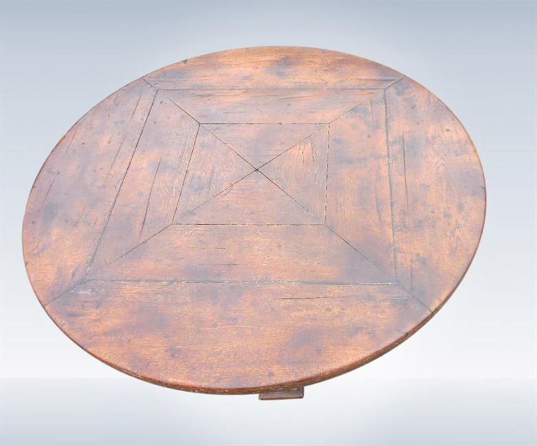Antique Oak Round Table Of Large 5ft Diameter To Seat 8