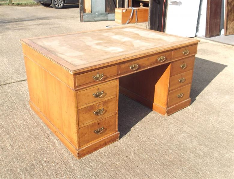 large of under storage both size drawers on with small sides medium desk