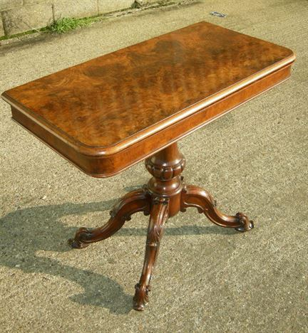 Antique Games Table   19th Century Victorian Walnut Card Table
