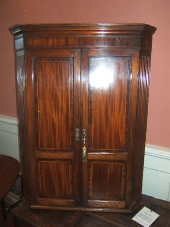 George Iii Mahogany And Inlaid Corner Cupboard Antique