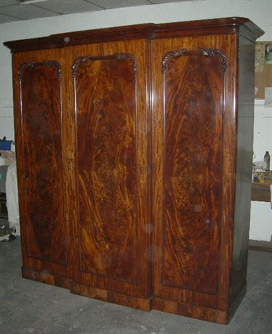 Antique furniture warehouse antique tables 19th century mahogany - Antique Furniture Warehouse Antique Mahogany Wardrobe