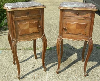 ANTIQUE PAIR BEDSIDE CABINETS CIPBOARDS - 19th Century pair of walnut pot  cupboards with sienna marble tops - ANTIQUE FURNITURE WAREHOUSE - ANTIQUE PAIR BEDSIDE CABINETS