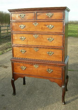 Delicieux Antique Period Georgian Tallboy   Early 18th Century George I Walnut Tallboy  Chest On Stand