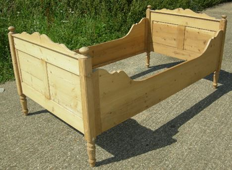 Antique Furniture Warehouse Antique Pine Bed 19th