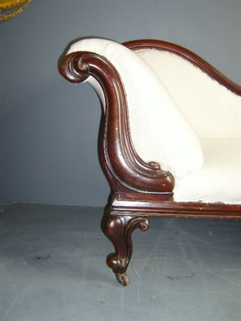Antique furniture warehouse antique victorian chaise for Antique chaise longue
