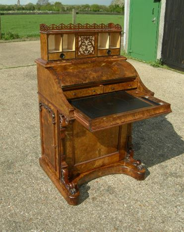 Antique Victorian Walnut Davenport   Victorian Burr Walnut Piano Formed  Davenport