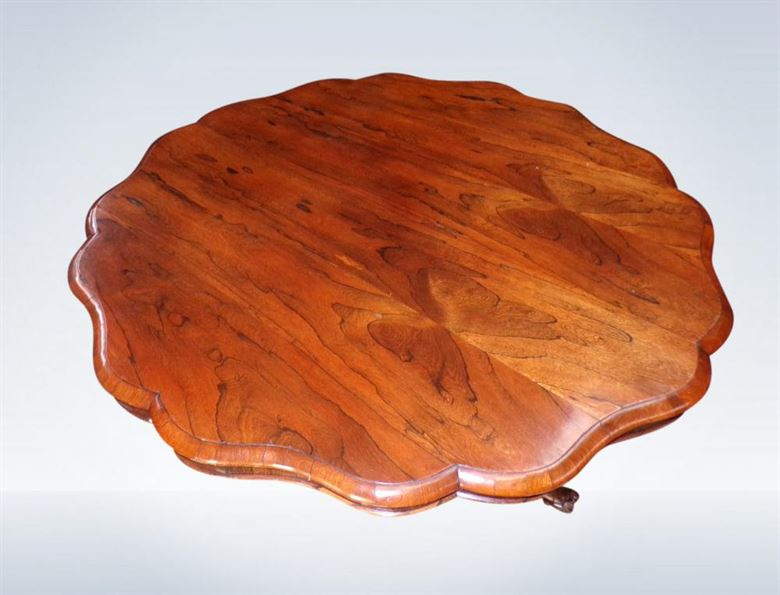 Circular Antique Regency Dining Table In Rosewood And Diameter To Seat 6 People Comfortably