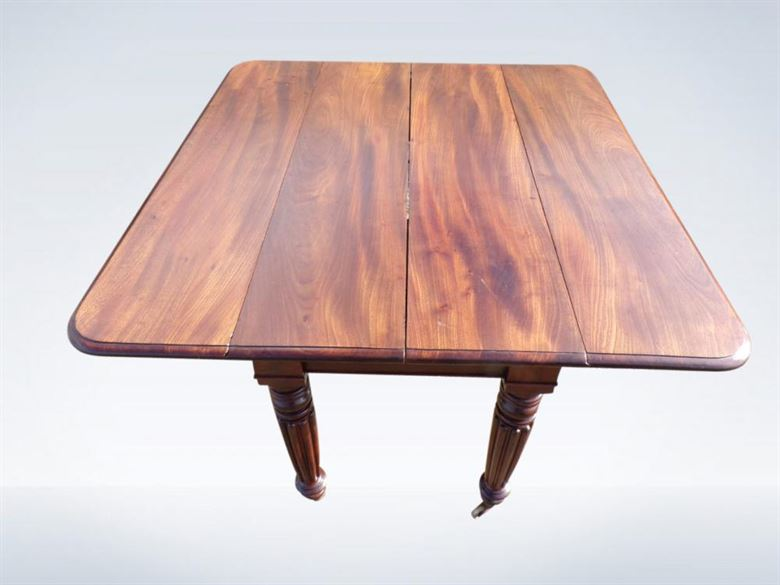 Extending Regency Dining Room Table With Gillows Reeded Legs