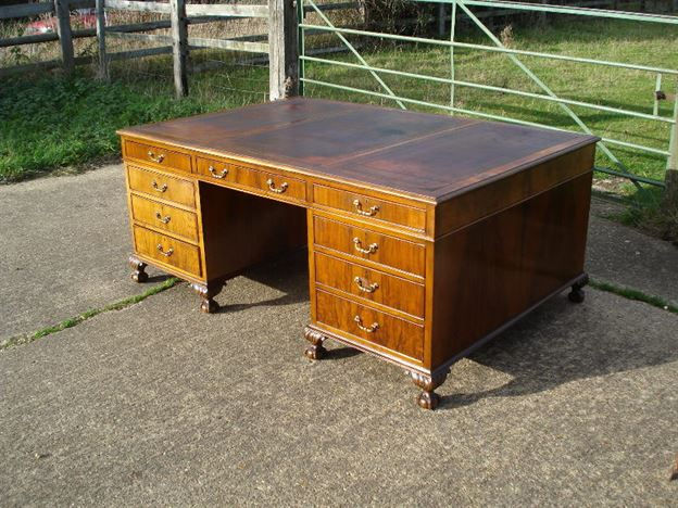 Large Antique Desk - 6ft X 4ft Georgian Revival Walnut Partners Desk