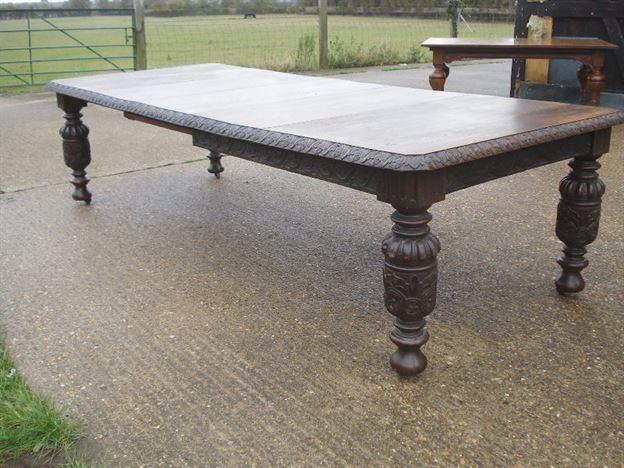 ANTIQUE FURNITURE WAREHOUSE Large Antique Dining Table  : large antique dining table 10ft 3 metre victorian carved oak jacobean influence extending dining table to seat 12 people 1020 P1 from www.elisabethjamesantiques.co.uk size 800 x 600 jpeg 128kB