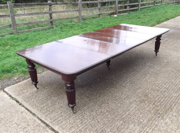Large Antique Dining Table - Early Victorian 3 Metre Mahogany Extending Dining Table To Seat 6 To 14 People