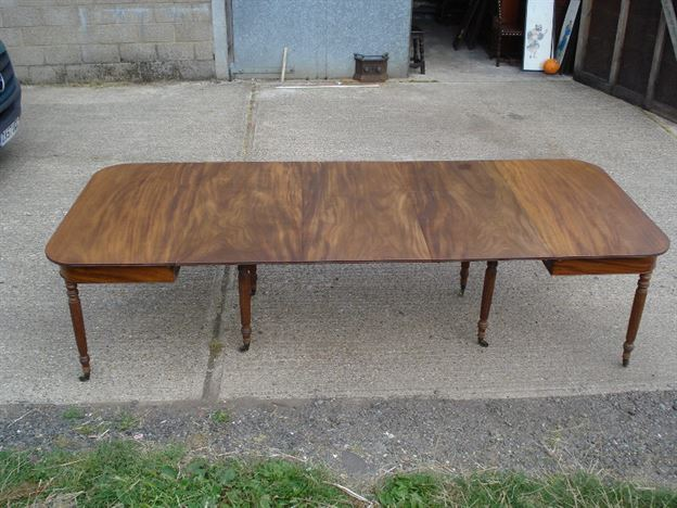 large antique georgian dining table 10ft georgian mahogany extending