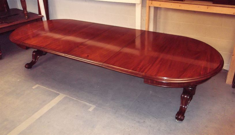 Large Antique Mahogany Table   4 Metre Mid Victorian Round Ended Extending  Dining Table On Carved End Bases