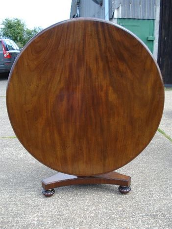 Large Antique Round Table   Regency Mahogany Round Breakfast Table To Seat 6  To 8 People