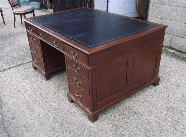 Large Georgian Mahogany Desk - 5ft Georgian Manner Mahogany Pedestal Writing Desk With Leather Inset