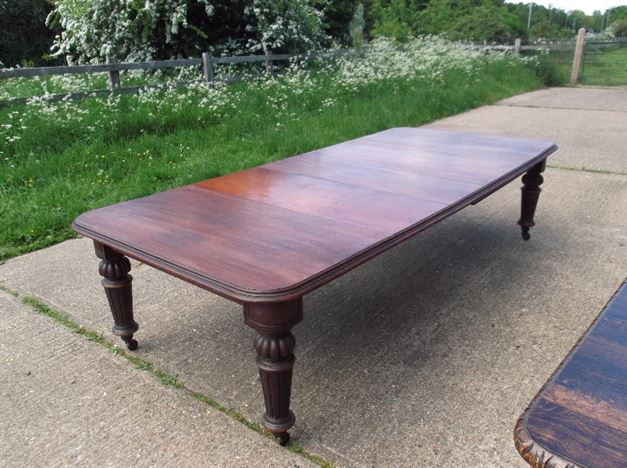 Large Victorian Dining Table - 10ft Mid Victorian Mahogany Extending Dining Table With Three Leaves