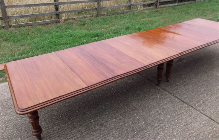 Large Victorian Mahogany Dining Table - 5 Metre Victorian Extending Dining Table To Seat Up To 20 People