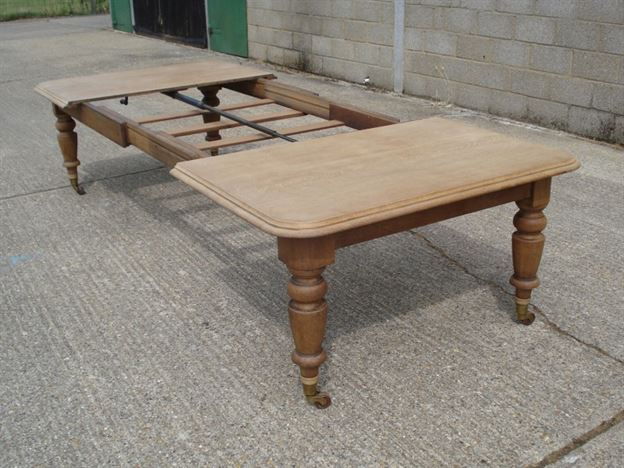 Large Victorian Oak Dining Table   11ft Mid Victorian Oak Extending Dining  Table To Seat 14